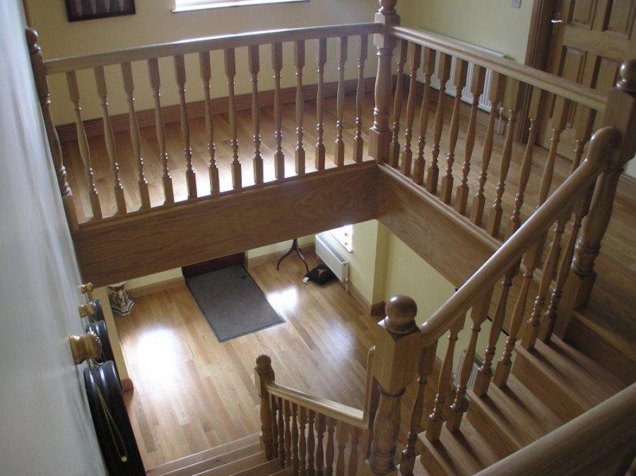 White Oak Cut-Mitre String Stairs