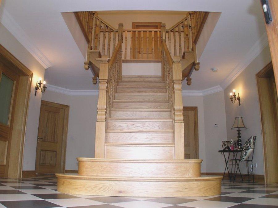 White Oak T Shape Stairs