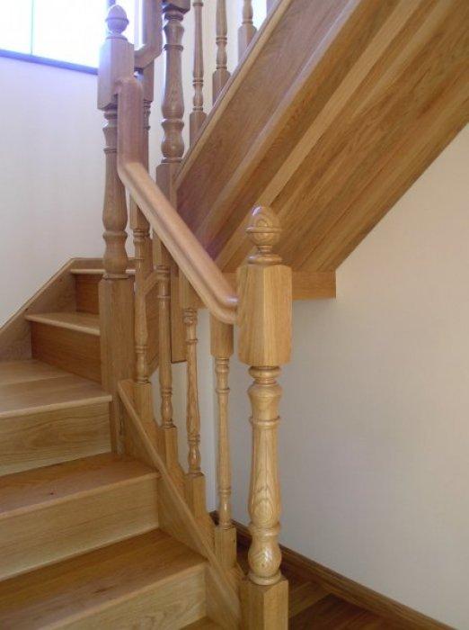 Landing boyle joinery for Quarter landing staircase