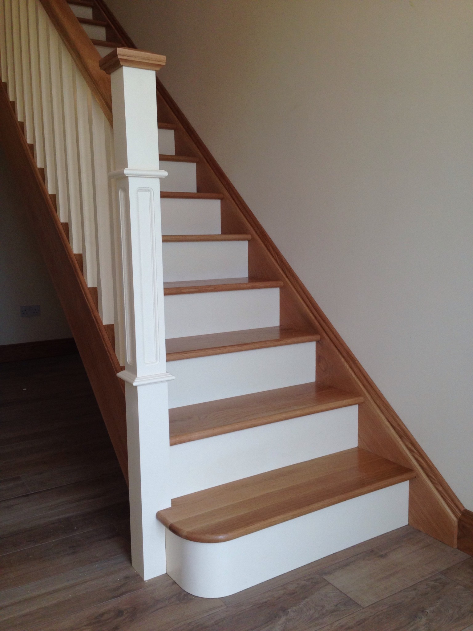 Beau Ivory And Oak Staircase